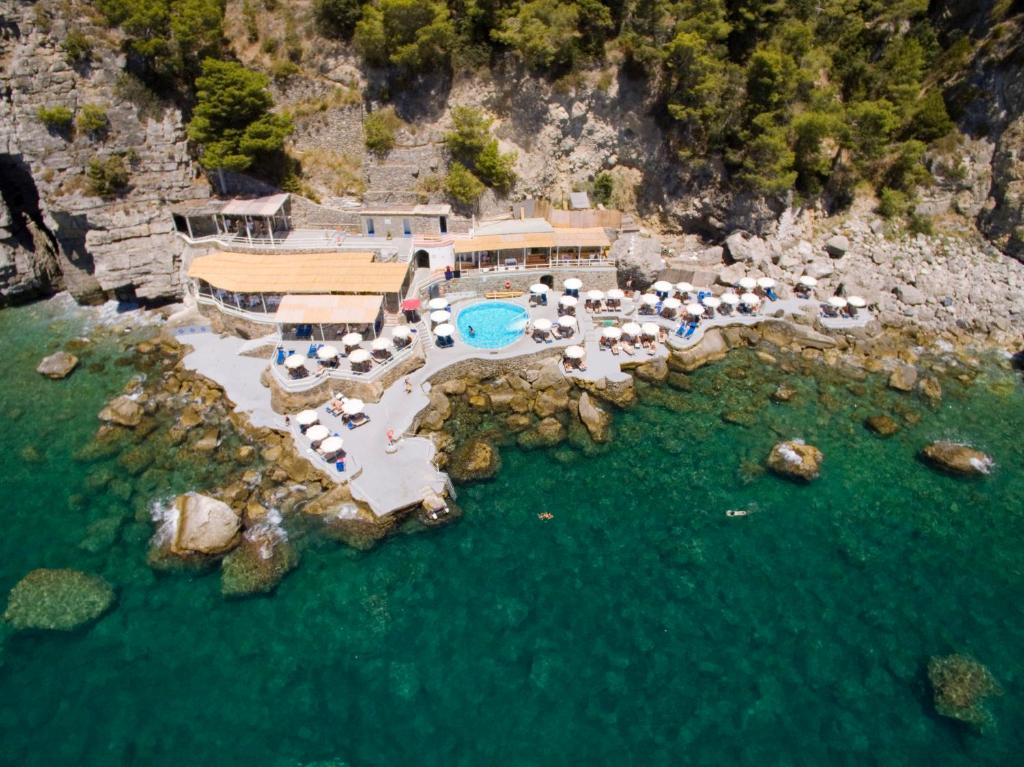A bird's-eye view of Grand Hotel Tritone