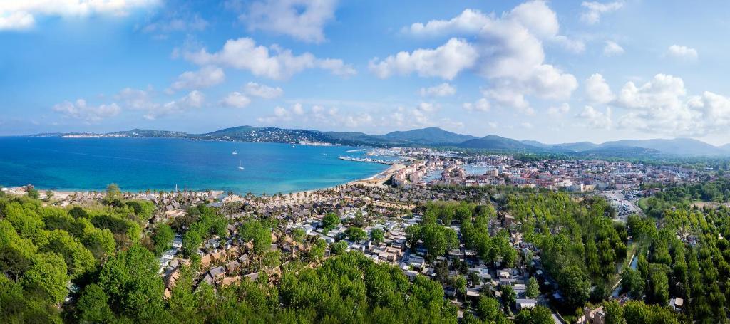 A bird's-eye view of Cote d'Azur Holidays