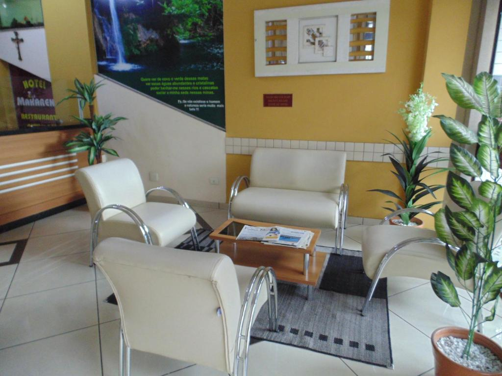 A seating area at Hotel Makarena