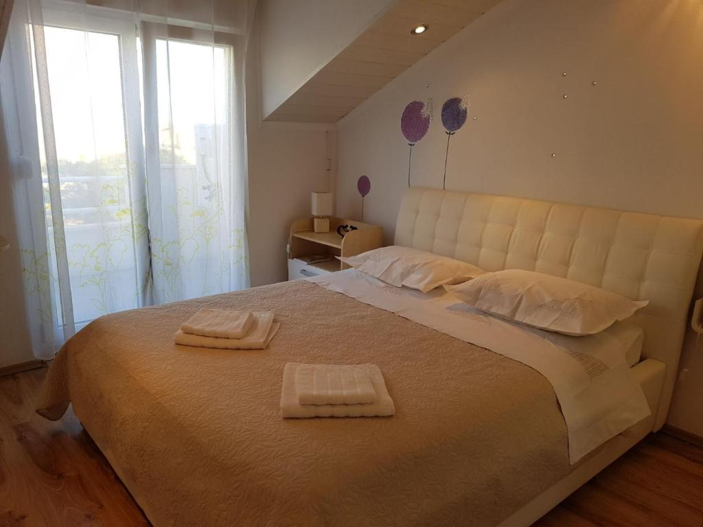 Luxury Apartment For 5 (+2) People