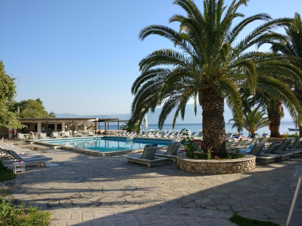 Basen w obiekcie Long Beach Hotel & Resort lub w pobliżu