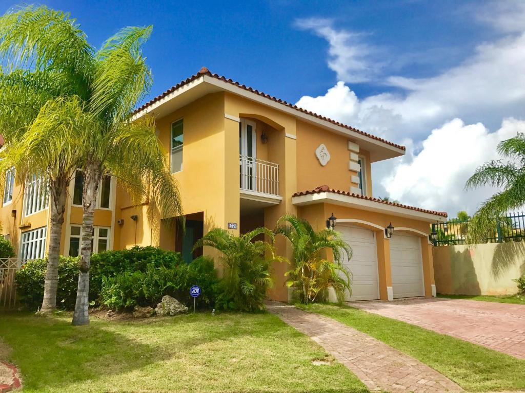 Grand Palm Villa, Brenas, Puerto Rico - Booking.com