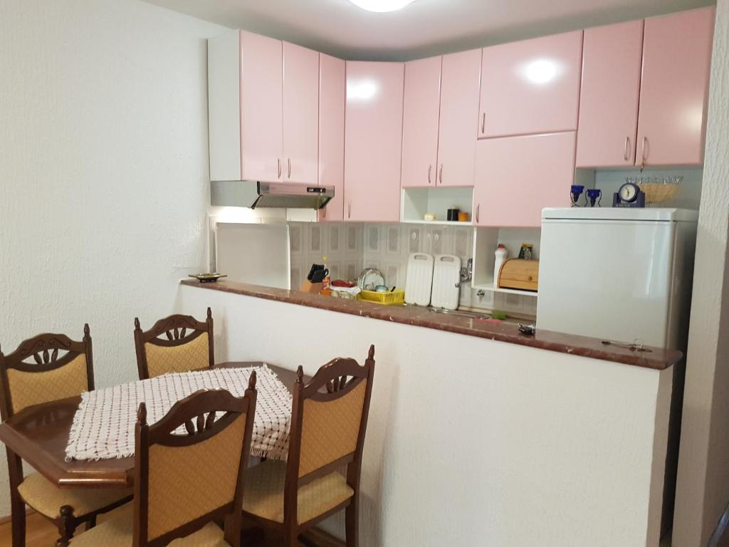 A kitchen or kitchenette at Apartment DDS