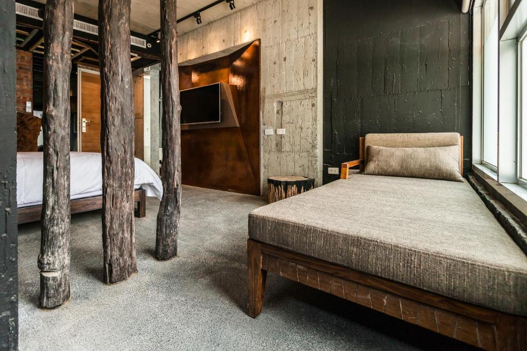 有朋會館房間的床