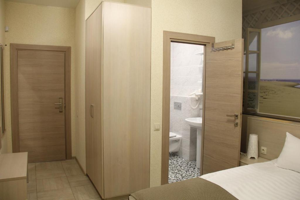 Бюджетный двухместный номер без окна с 1 кроватью или 2 отдельными кроватями: фотография номер 4