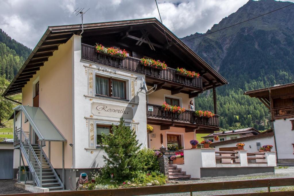 Der Grieswirt, 4 Im Gries, St. Anton am Arlberg, Tirol - Google