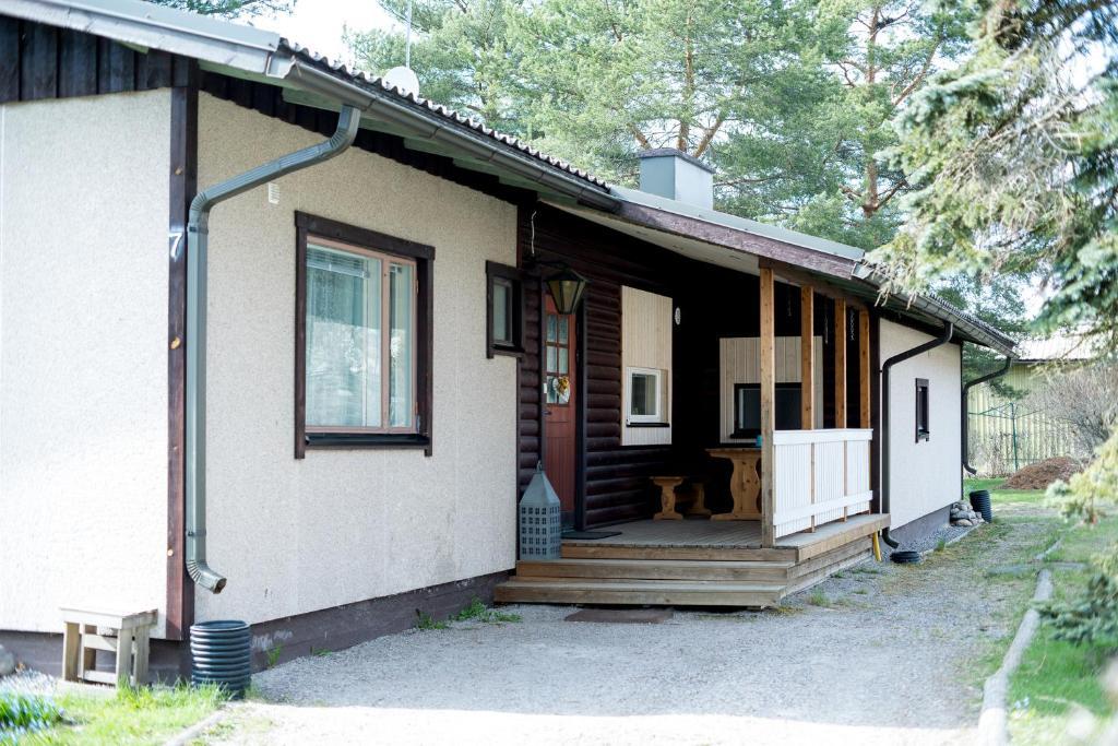 The facade or entrance of Holiday Home Stranda Porvoo Center