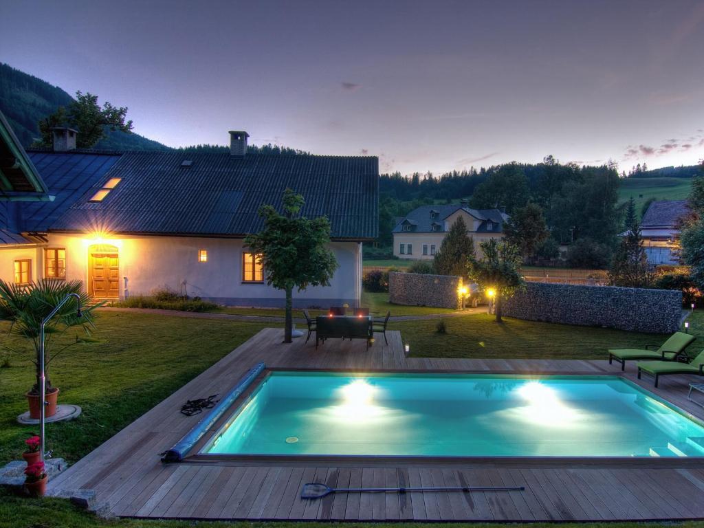 Der Swimmingpool an oder in der Nähe von Ferienwohnung Mariazell