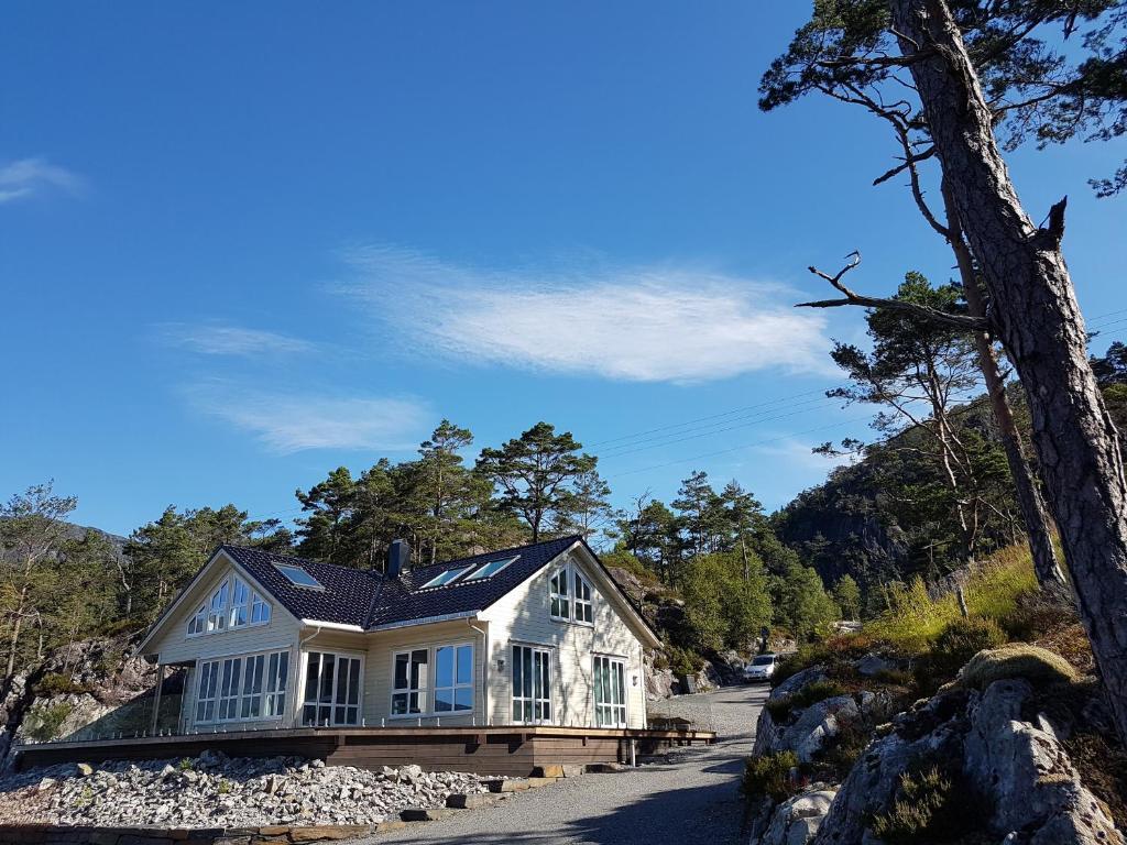Ropeid Villa Fjordferie
