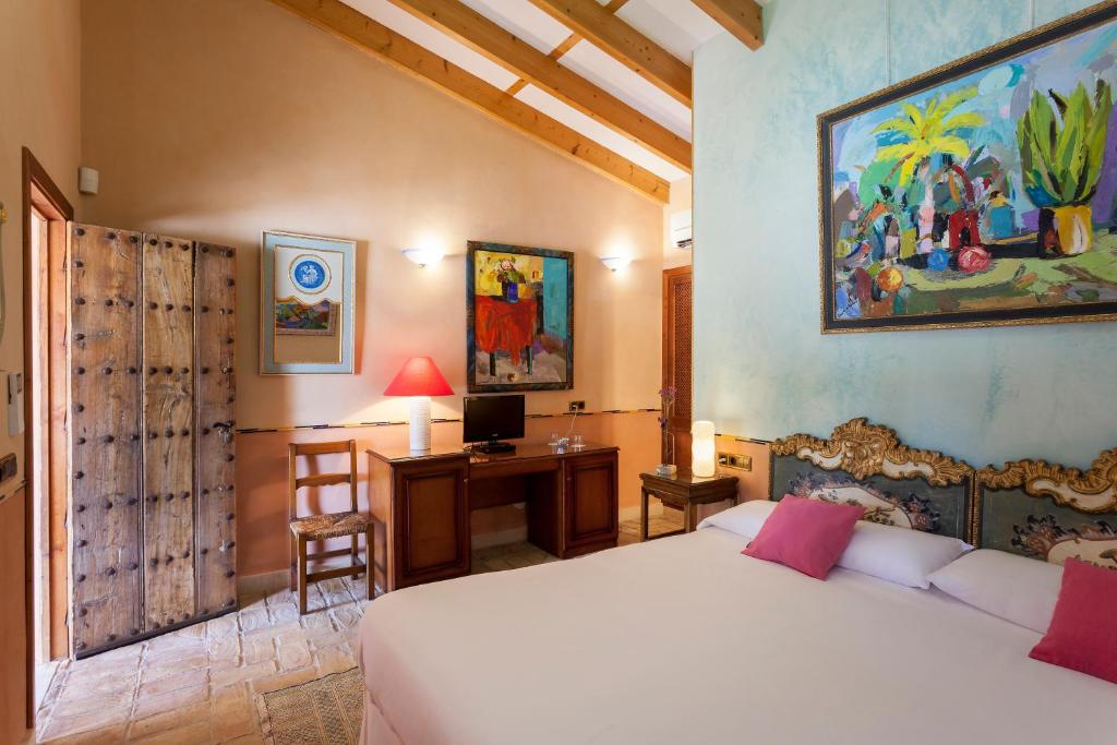 boutique hotels in campos  34