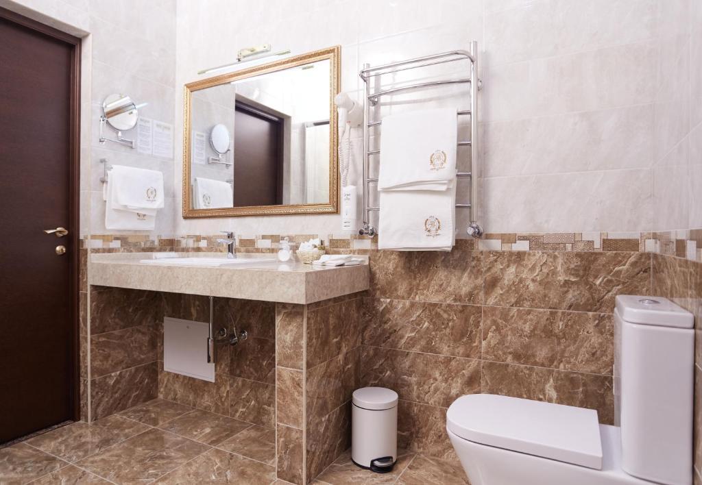 Ванная комната в Hotel Legenda