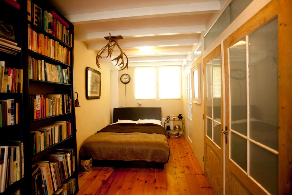 Die Bibliothek im Bed & Breakfast