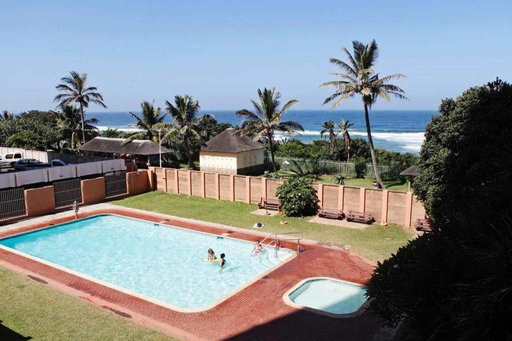 A view of the pool at Silver Dolphin Holidays or nearby