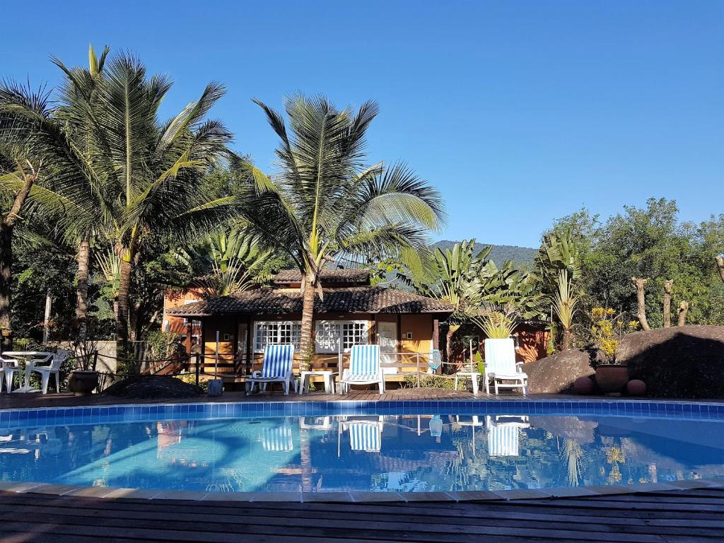 A piscina localizada em Pousada Vila das Pedras ou nos arredores