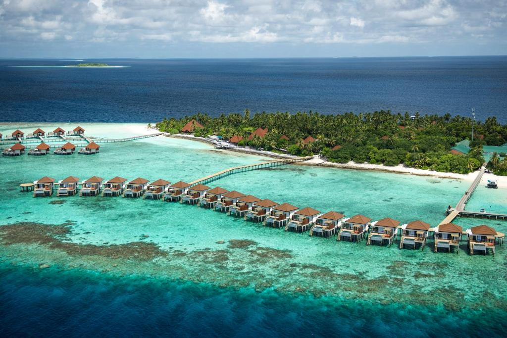 Een luchtfoto van Robinson Club Maldives Adults Only