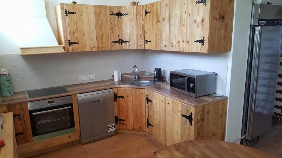 Köök või kööginurk majutusasutuses Järva Jahindusklubi HOSTEL