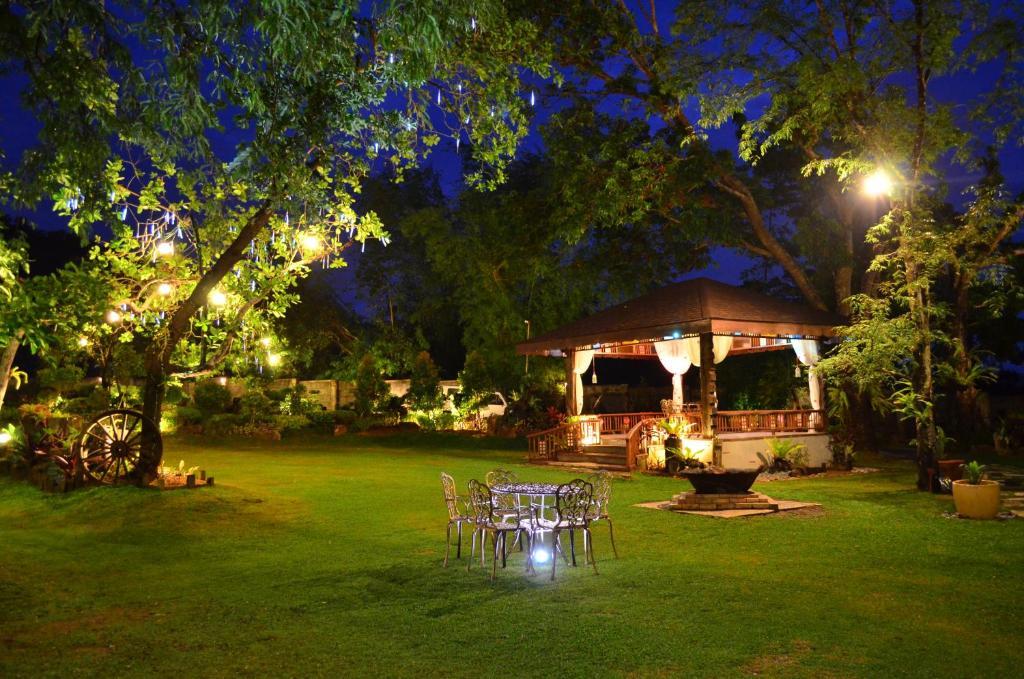 A garden outside Sophia's Garden Resort