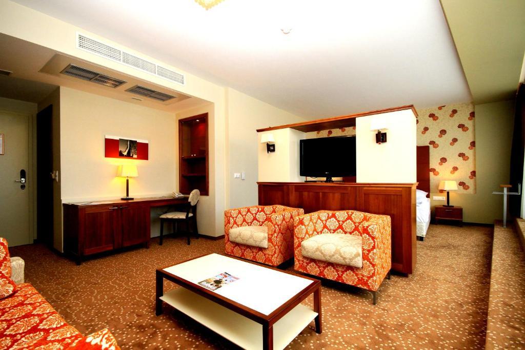 Гостиная зона в Corso Hotel Pécs