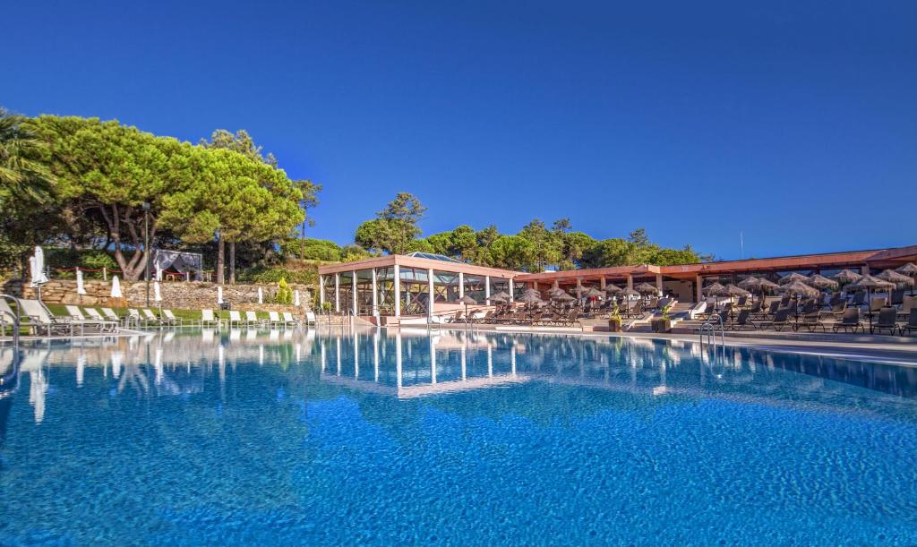 The swimming pool at or near Vilar do Golf by Diamond Resorts