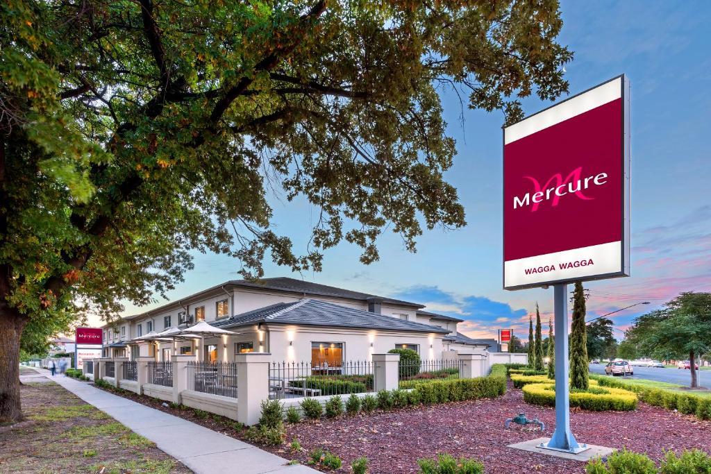 Cool Hotel Mercure Wagga Wagga Australia Booking Com Machost Co Dining Chair Design Ideas Machostcouk