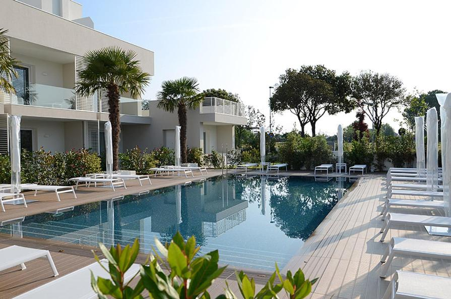 The swimming pool at or near Appartment Sabbhia