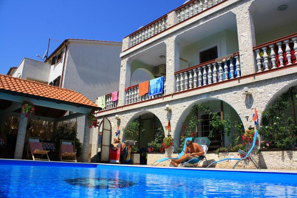 Guesthouse Aparts Rooms Lo Mar Medulin Croatia