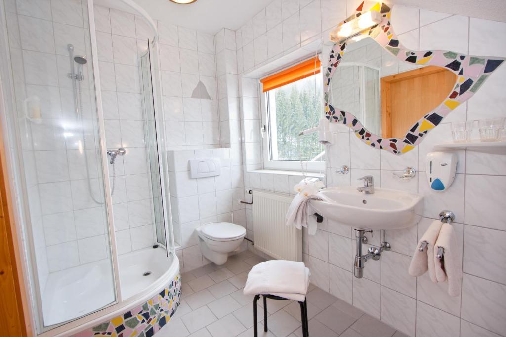 Vannas istaba naktsmītnē Gasthof Spengerwirt