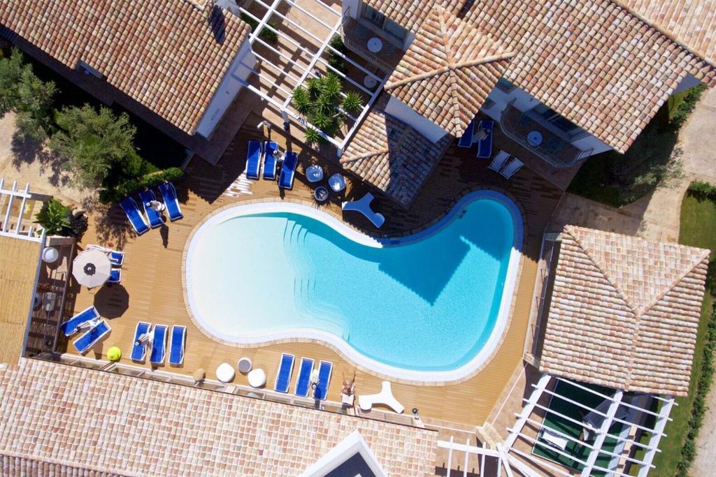 Uma vista da piscina em Hotel Eliantos ou nos arredores