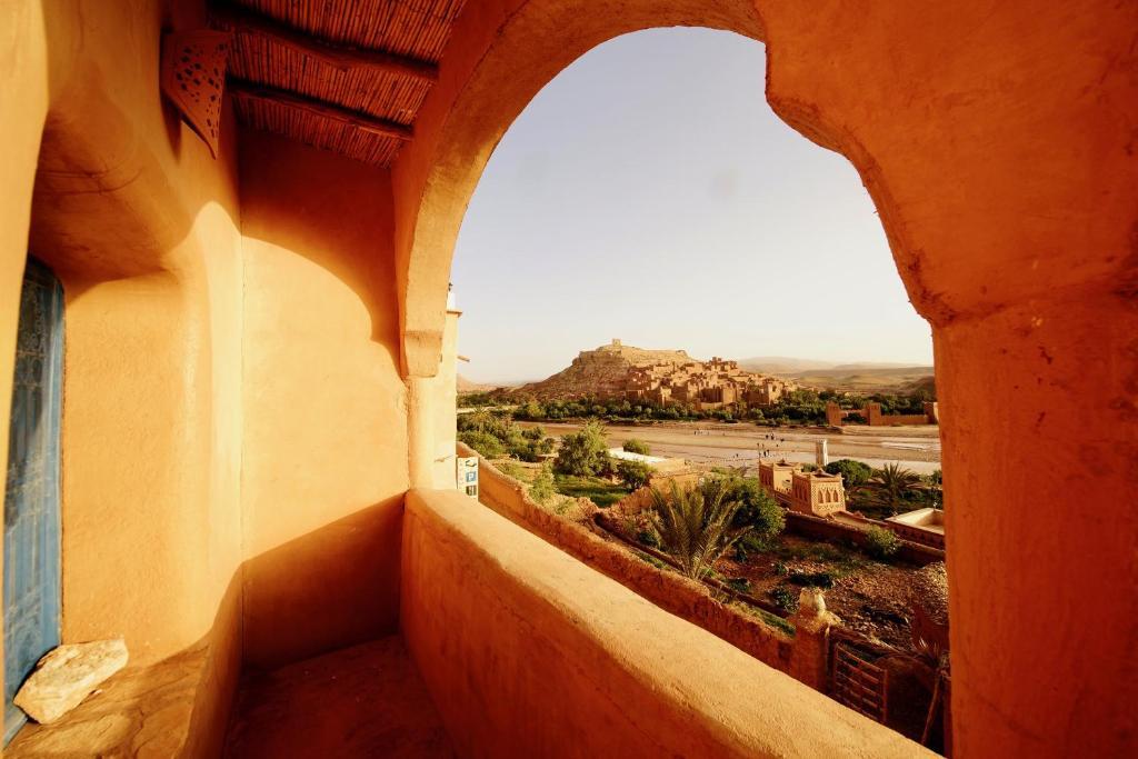 Ein Balkon oder eine Terrasse in der Unterkunft Dar Mouna La Source