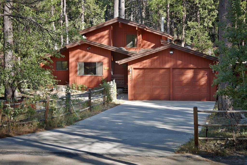Treehouse Lodge Idyllwild Ca Booking Com