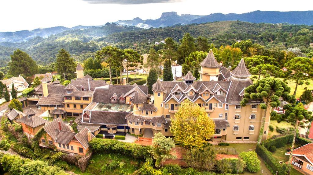 Uma vista aérea de Castelo Nacional Inn