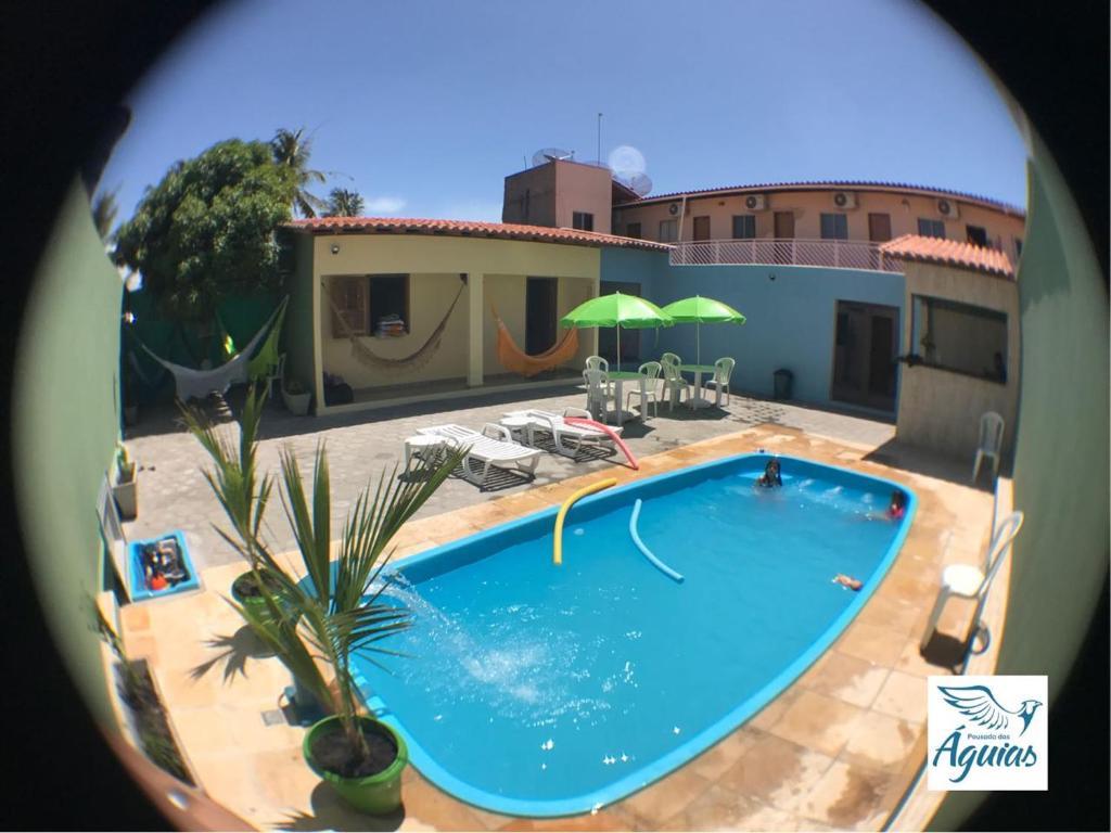 A piscina localizada em Pousada das Águias ou nos arredores