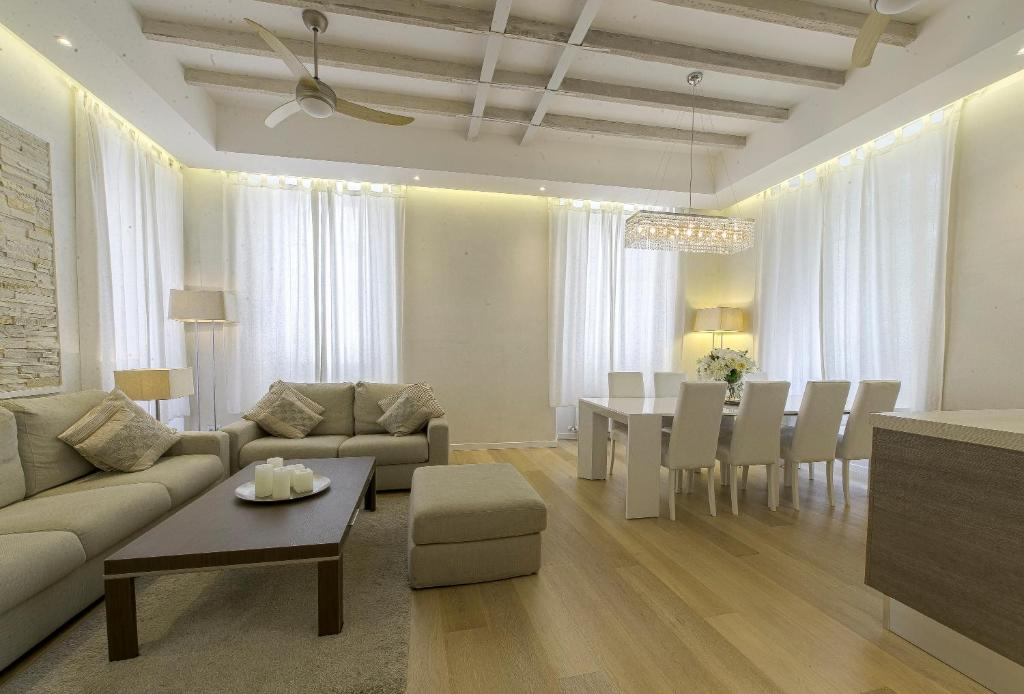 A seating area at Modern Apartment Como