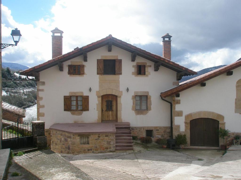 Casa Rural Parriola (España Villanueva de Arce) - Booking.com