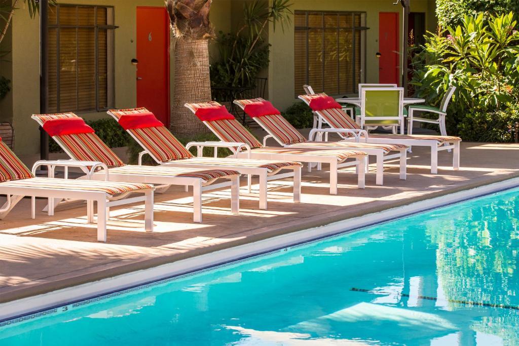 Desert Riviera Hotel