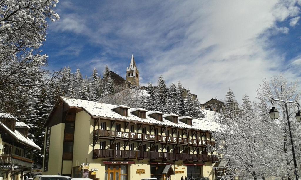 L'établissement Hotel Castillan en hiver