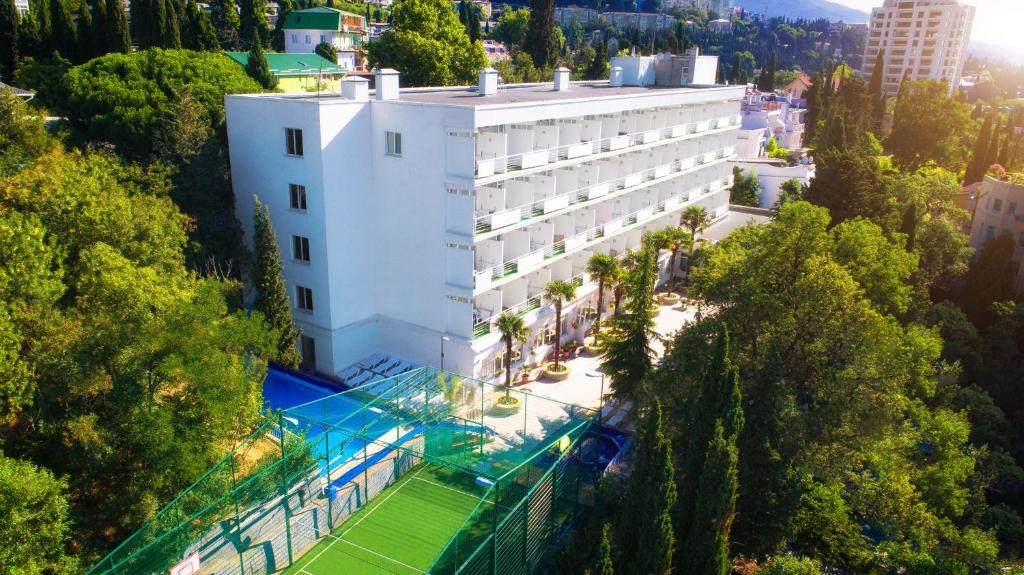 Отель Туристический Комплекс Ялта Круглый Год (Крым Ялта)