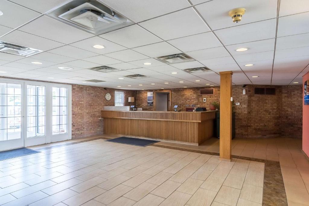 Knights Inn Grand Rapids