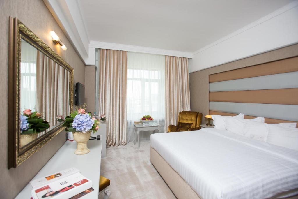 Phoenicia Express Hotel Phoenicia Hotels