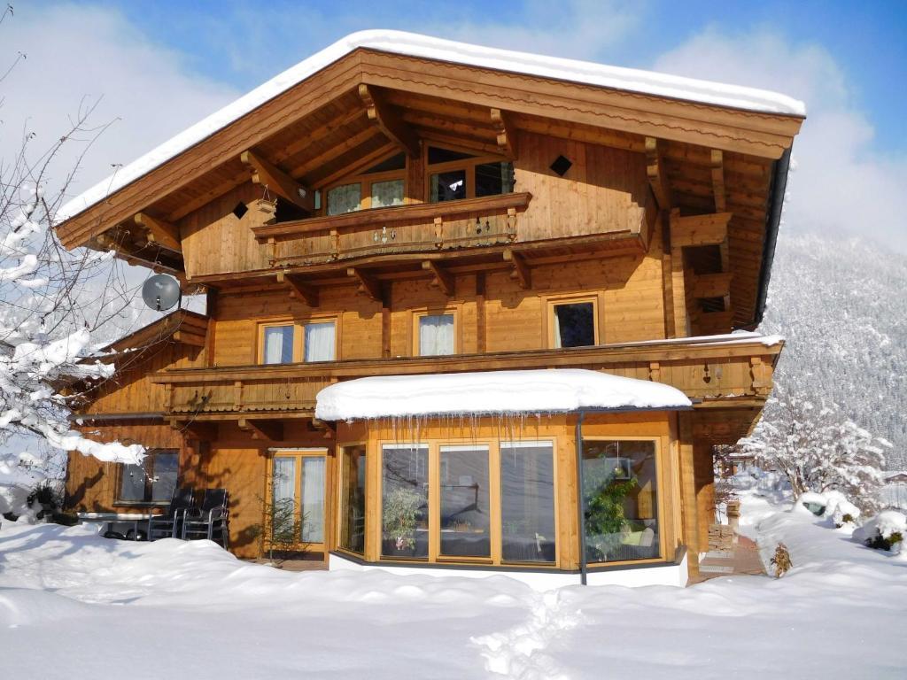 Chalet Tirol, Waidring, Austria - carolinavolksfolks.com