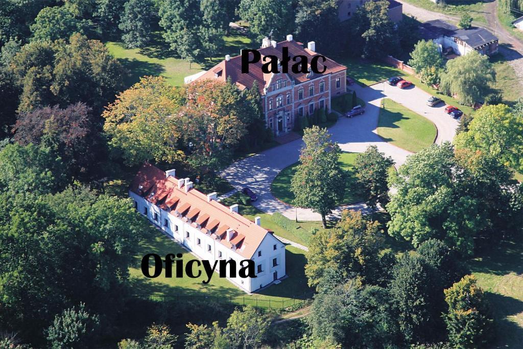 Apgyvendinimo įstaigos Leźno Palace vaizdas iš viršaus