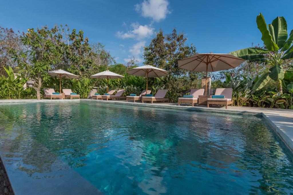 The swimming pool at or near Royal Retreat Villa's Lembongan