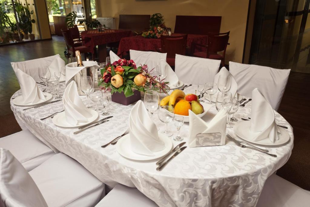 Ресторан / где поесть в Отель Раушен