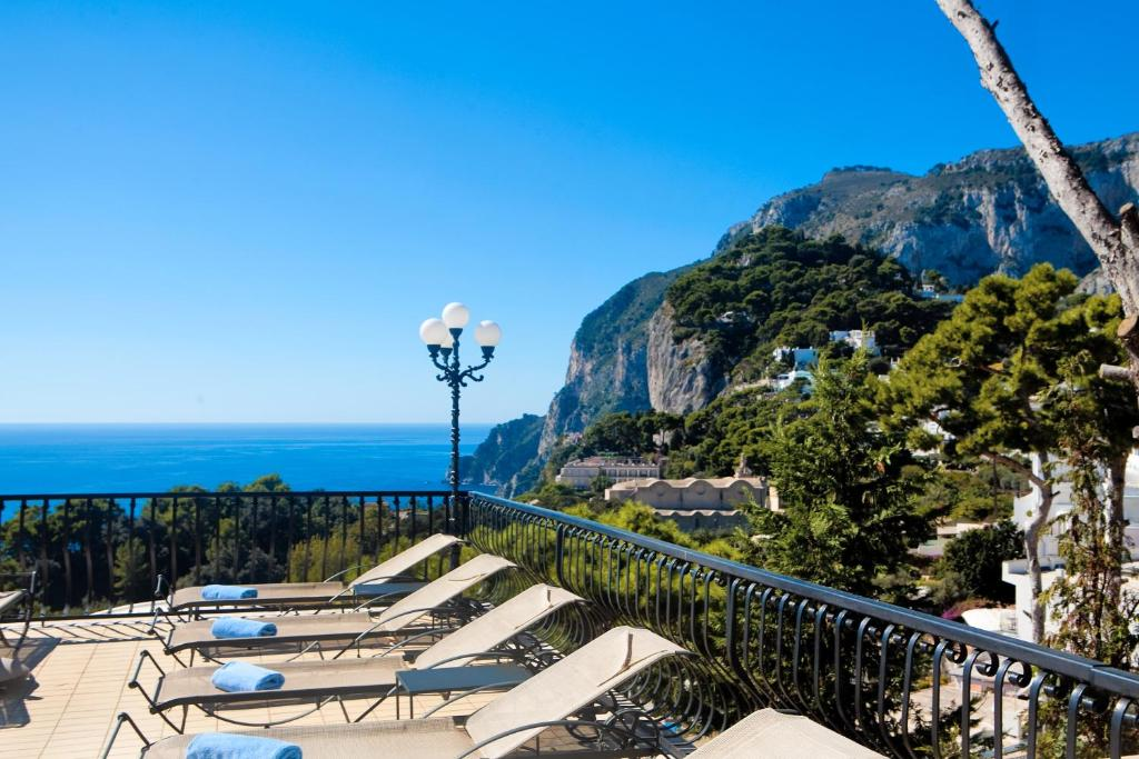 A balcony or terrace at La Scalinatella