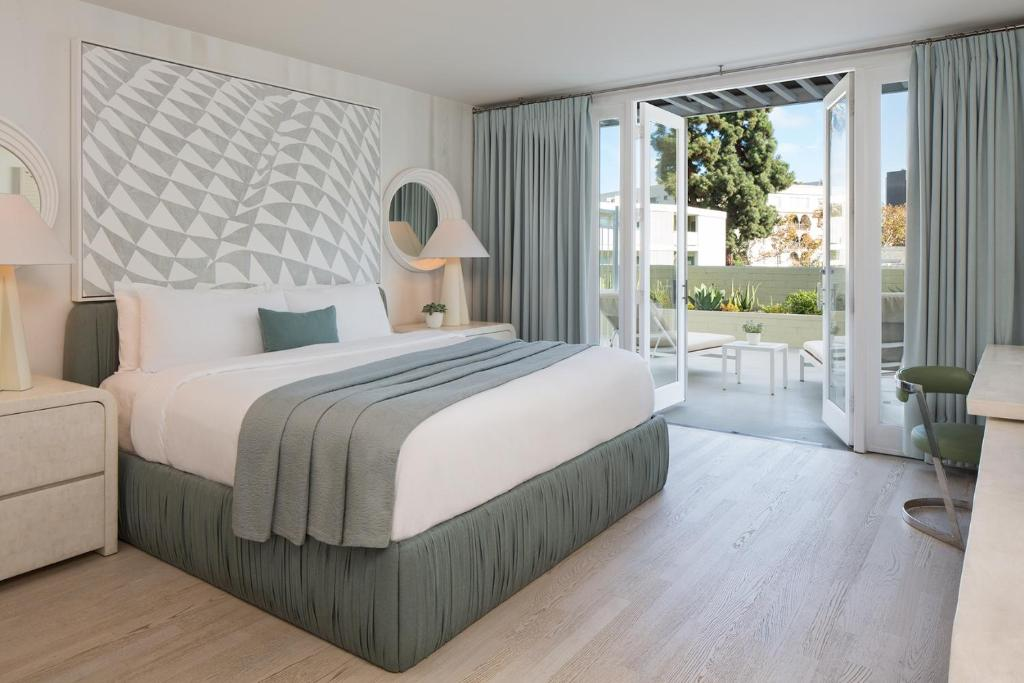 Avalon Hotel Beverly Hills A Los