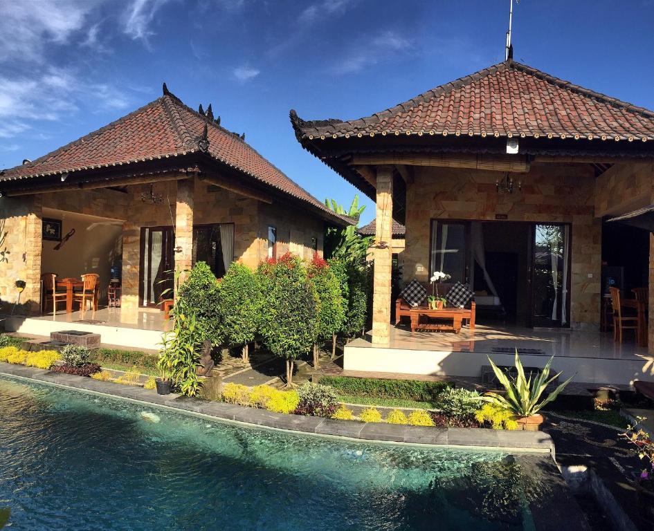 The swimming pool at or near Siwaya Villa