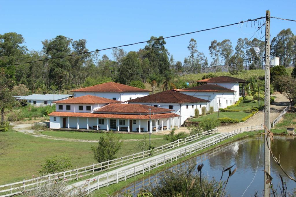 Uma vista da piscina em Hotel Fazenda Bela Vista ou nos arredores