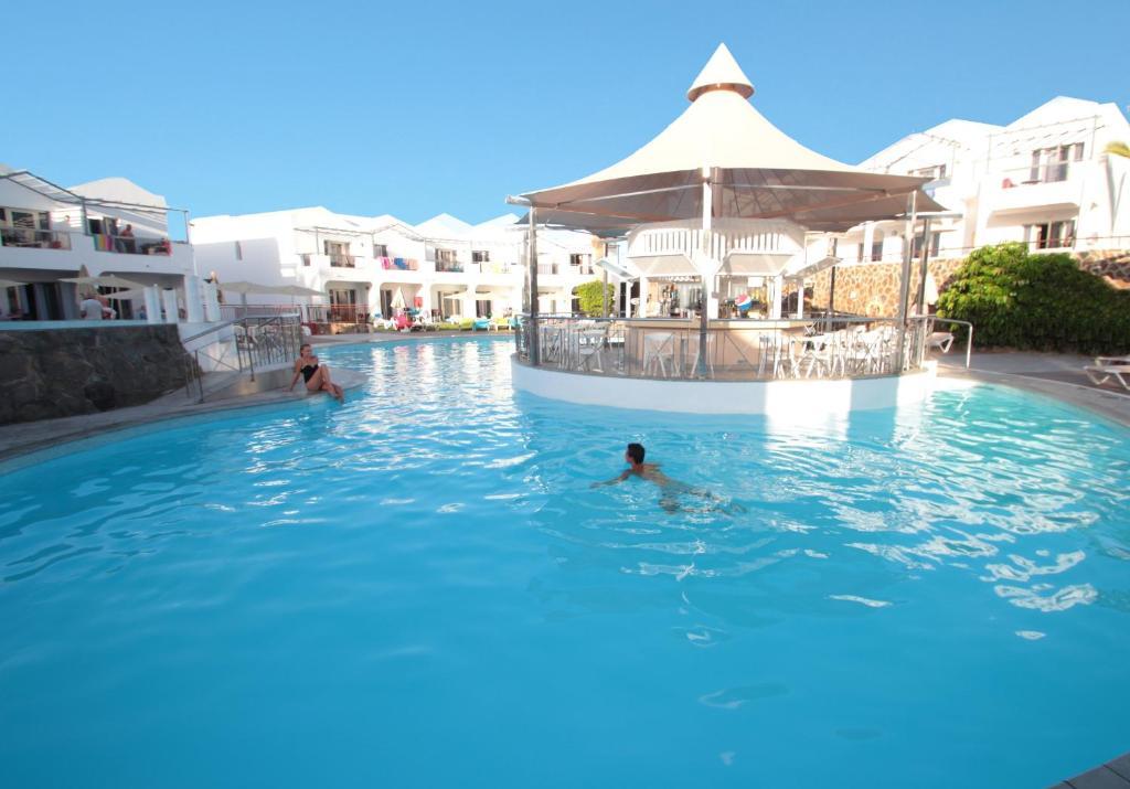 Het zwembad bij of vlak bij Turbo Club