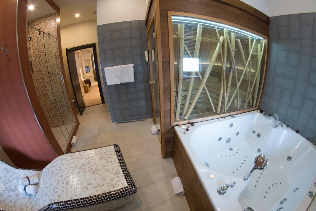 Atera Business Suites