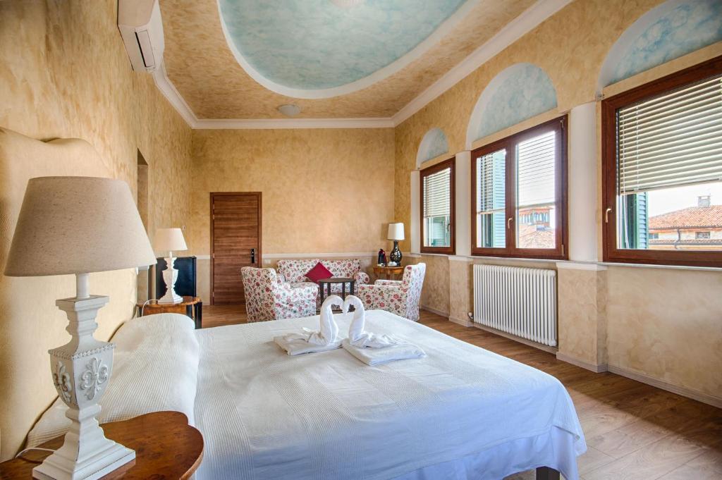 Lady Verona Residence